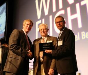 Sumple Rainey awarding Mike DeMarea_Wineflight_112015